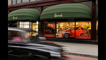 L'Aston Martin Cygnet debutta da Harrods