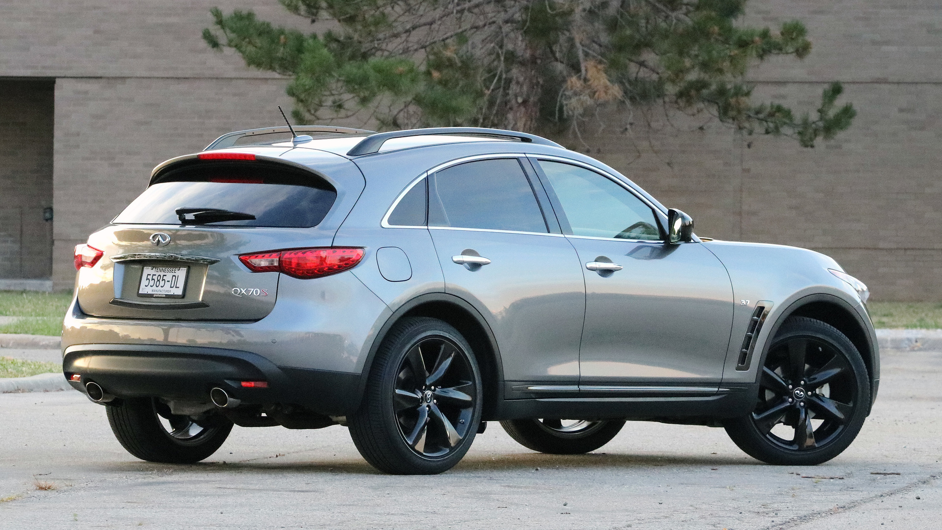 infiniti stylish showrooms debut created infinity hits crossover official