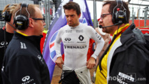 Jolyon Palmer with Mark Slade and Julien Simon-Chautemps