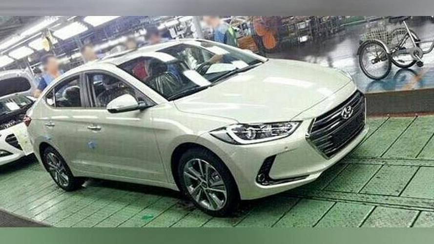 New Hyundai Avante / Elantra caught undisguised