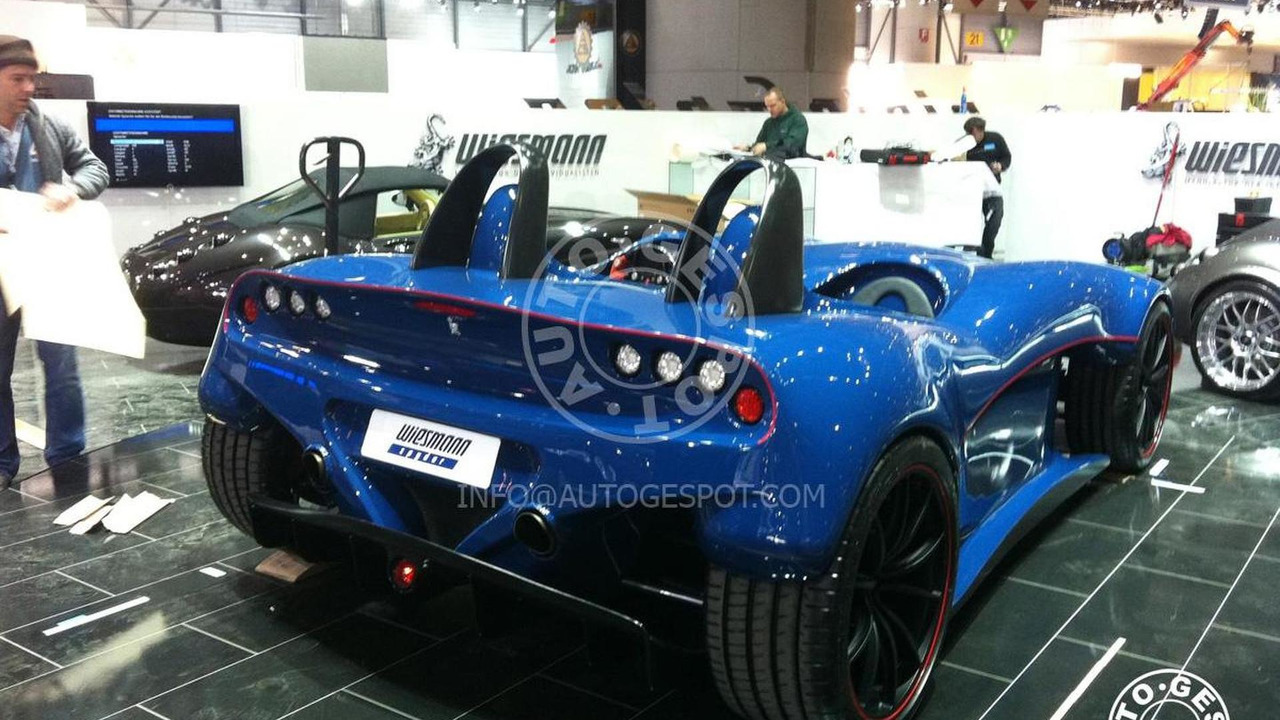 Wiesmann Spyder Concept caught on Geneva show room floor, 1200 - 27.02.2011