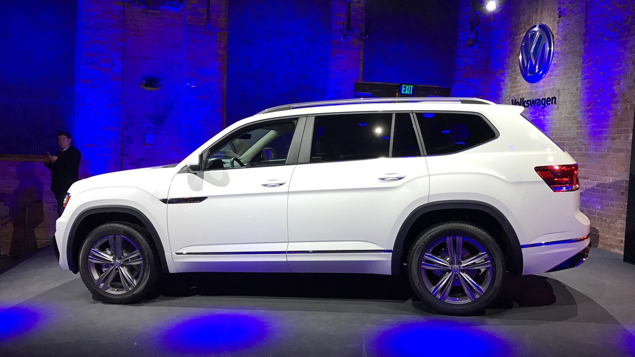 Vw Atlas Lease >> VW Atlas R-Line shows its sporty side in Detroit