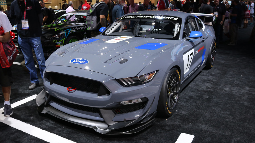Video: Ford Mustang GT4 2016 SEMA Fuarı'nda