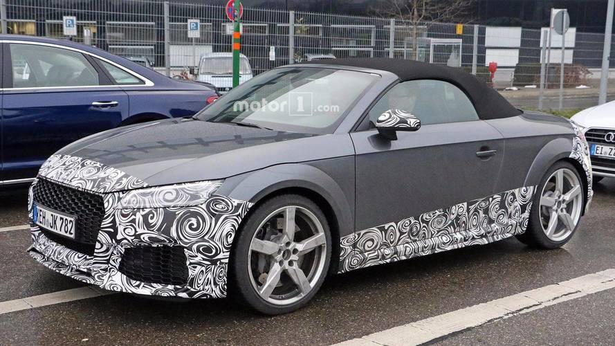 Audi TT RS, makyajını gizlerken yakalandı