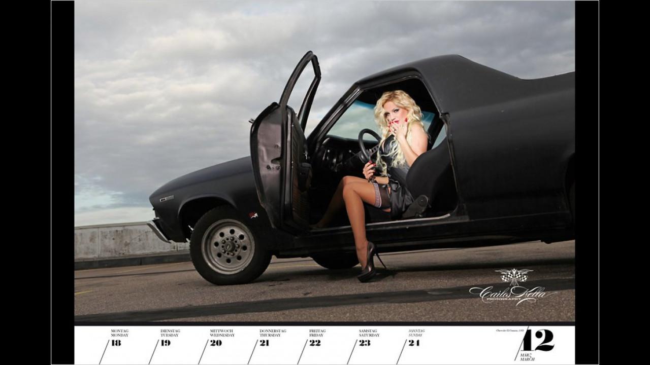 Girls & legendary US-Cars 2013