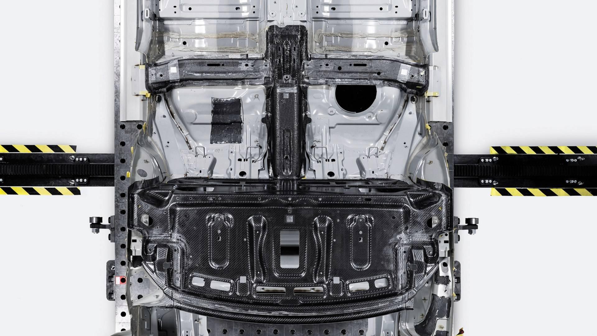 [Imagen: polestar-1-carbon-fiber-construction.jpg]