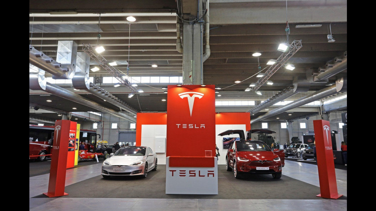 Le Tesla a Verona Legend Cars