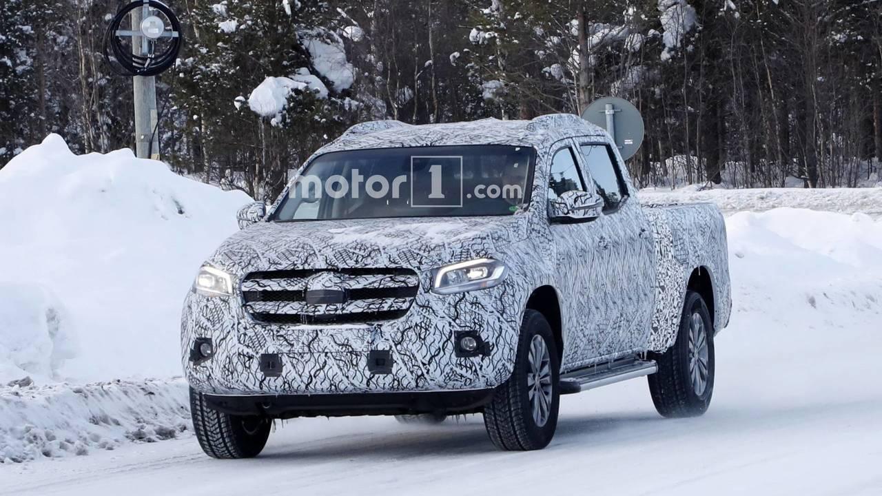 Mercedes-Benz X-Serisi uzun yataklı prototip