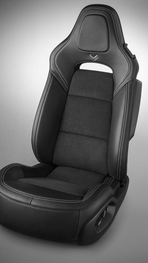 Chevrolet shows off the digital dash in the Corvette Stingray [video]