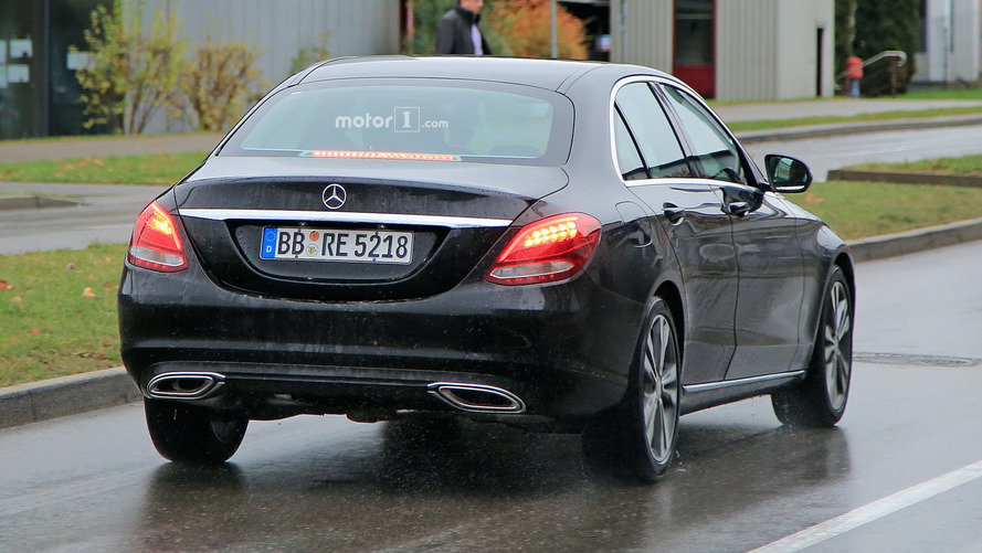 2018 mercedes benz c class freshens up in new spy shots. Black Bedroom Furniture Sets. Home Design Ideas