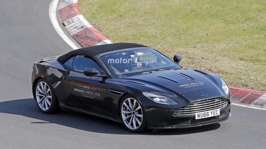 Photos espion - Deux prototypes d'Aston Martin DB11 sur le Nürburgring