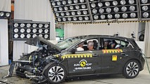 Crash test Euro NCAP Ford Focus e Volvo XC40