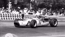 1966 : Ford et Serenissima