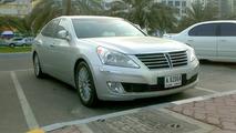 2010 Hyundai Equus on the street in Dubai