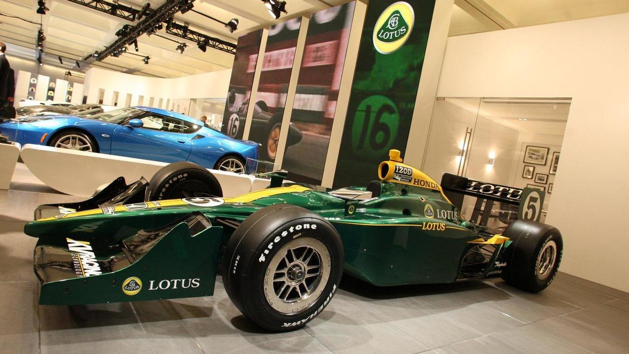 Lotus 2010 IndyCar, Los Angeles Auto Show, 17.11.2010