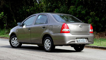 Toyota Etios Sedan AT
