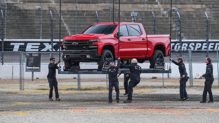 2019 Chevrolet Silverado Debut