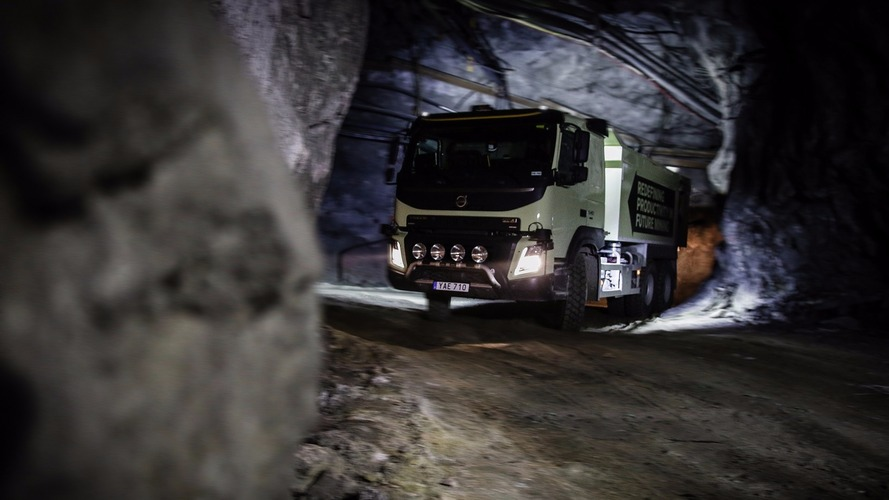 Self-driving Volvo FMX truck heads underground
