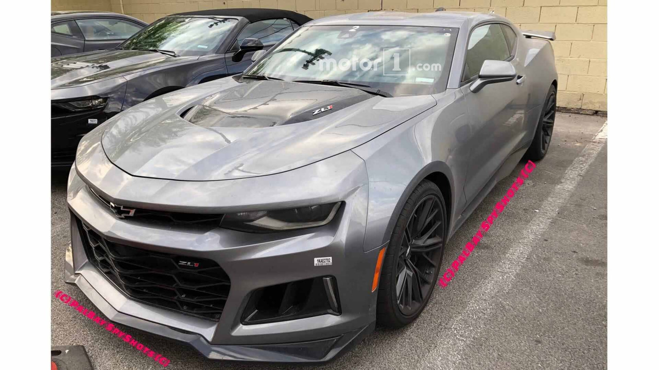 2019 Chevrolet Camaro Zl1 And Ss Update Spied Motor1 Com