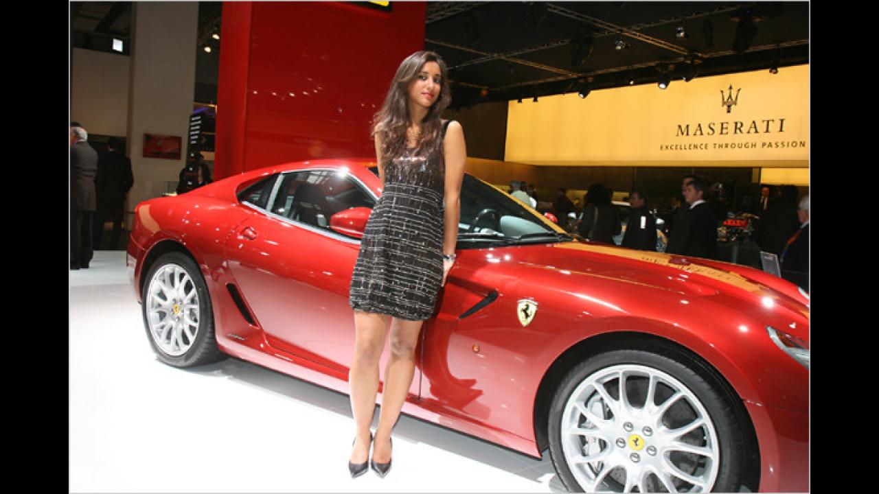 Na, wenn ich einen Ferrari hätte, würde ich genauso stolz schauen