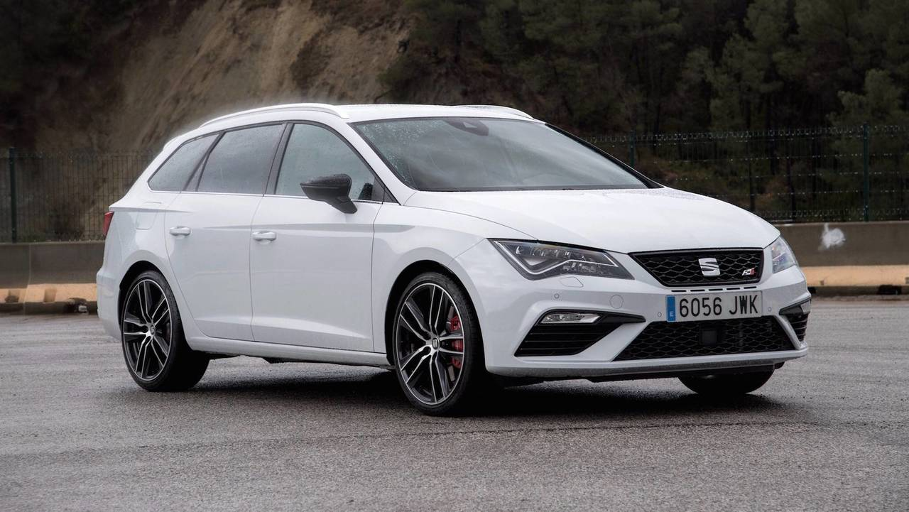 seat leon st cupra r with 335 hp could happen next year. Black Bedroom Furniture Sets. Home Design Ideas
