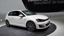 Volkswagen Golf VII GTI Performance is quite thirsty in 250 km/h top speed test [video]