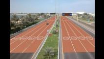Abu Dhabi testa asfalto colorido para alertar sobre novos limites de velocidade