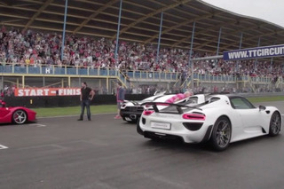 LaFerrari, McLaren P1, Porsche 918 and Koenigsegg Agera Share the Track [Video]