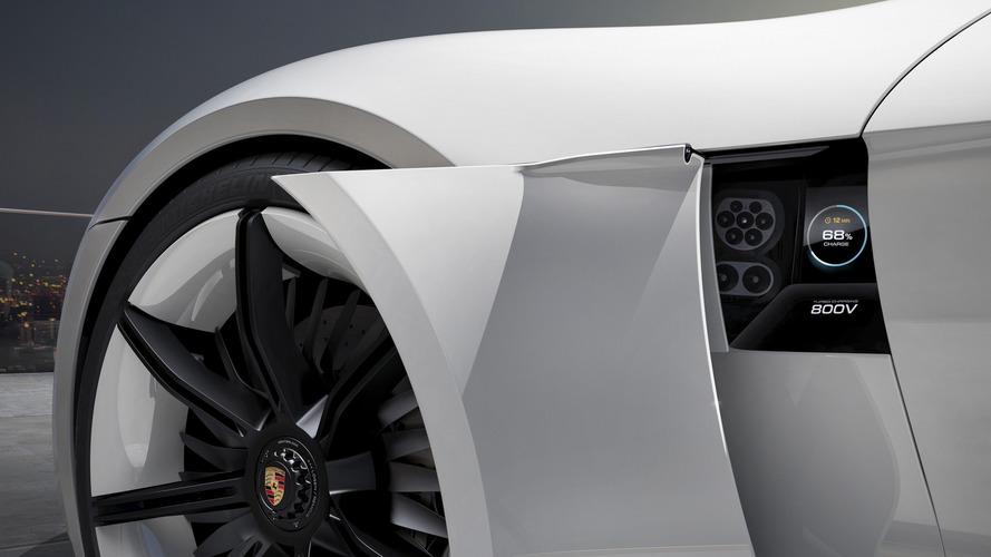 2015 Porsche Mission E tanulmány
