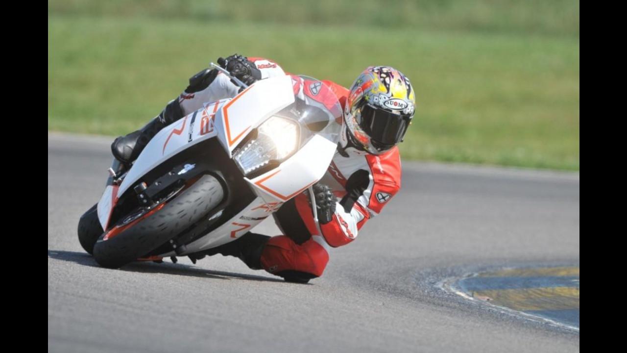 Sebastien Loeb sulla KTM RC8 R 2011