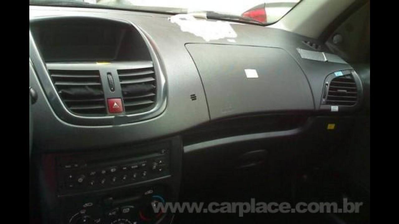 Vazou de novo - Agora surgem fotos do painel do Novo Peugeot 207 nacional