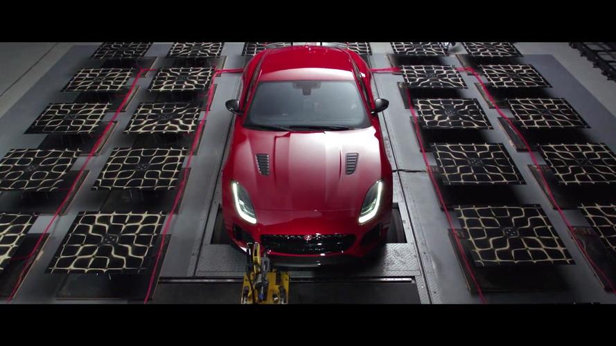 Jaguar, F-Type SVR'ın egzoz sesini