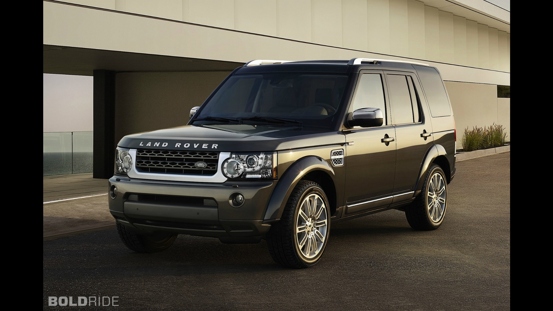 Land rover lr4 limited edition product 2012 04 04 13 41 36