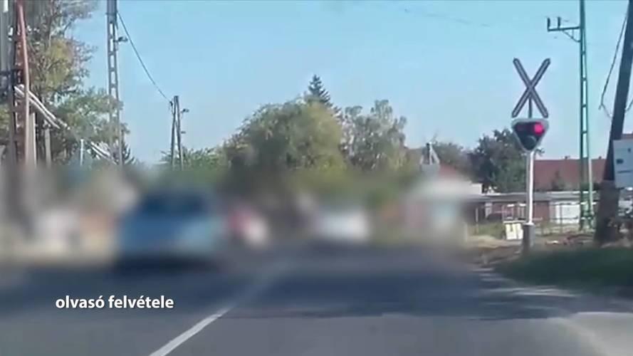 Piros a lámpa a vasúti átjáróban? Nem gond, a magyar autósok zöme áthajt rajta