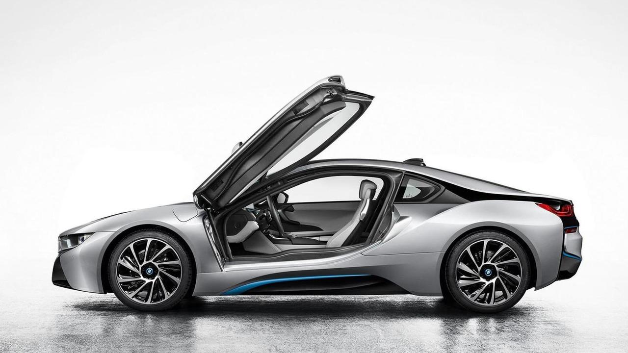 2014 BMW i8 production version leaked photo 03.09.2013