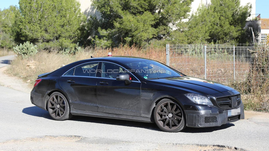 2015 Mercedes-Benz CLS63 AMG facelift spied for the first time, bringing front and rear changes