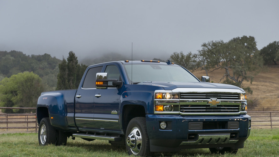 2017 Chevrolet Silverado HD sets world record for towing a ...