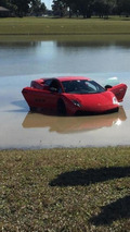 2,000+ bhp twin-turbo Lamborghini Gallardo spins out, ends up in a lake [videos]