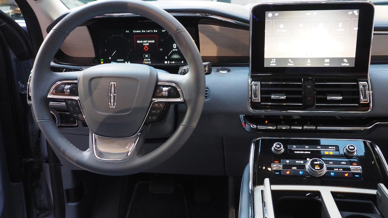 Creative 2018 Lincoln Navigator Black Label At New York Auto Show Photo