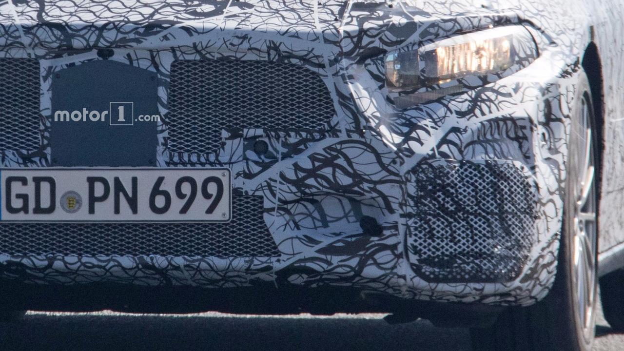 2019 Mercedes-AMG A40 casus fotoğraflar
