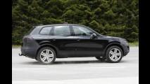 Flagra: VW Touareg reestilizado é fotografado na Europa