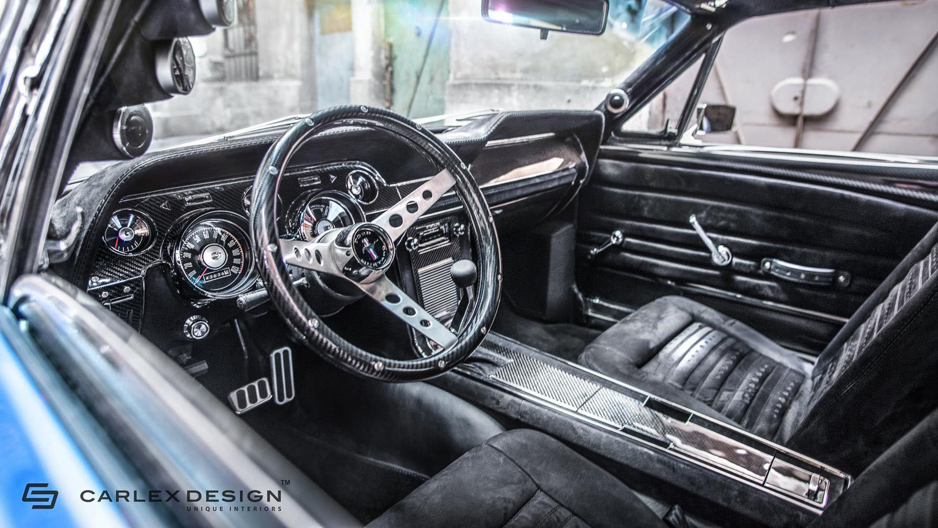 1967 ford mustang gets a modern interior by carlex design - Interior ford mustang ...
