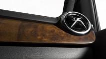 Leicester City'li oyunculara ödül: Elektrikli Mercedes B-Class