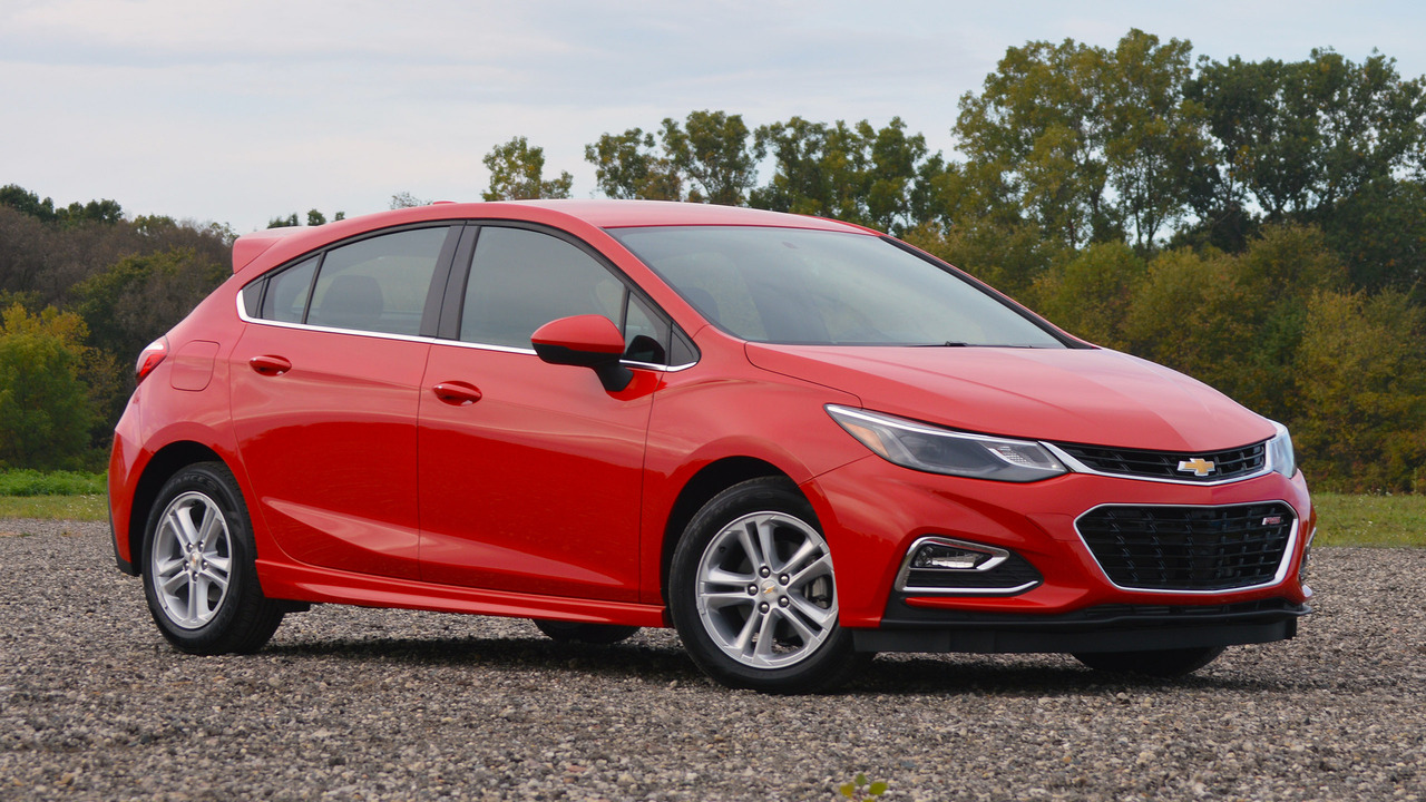 2017 chevrolet cruze hatchback review 2018 chevy cruze diesel to get sporty rs package as standard holden cruze fuse box diagram at soozxer.org