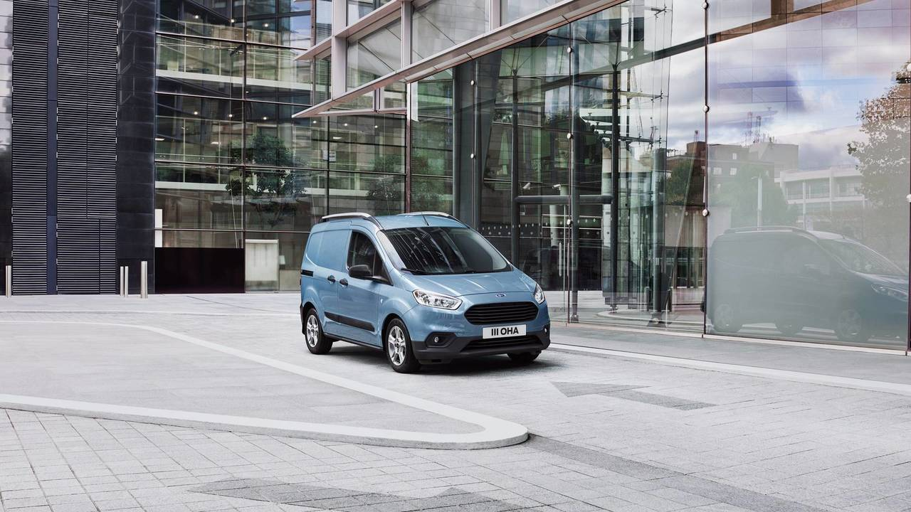 1- Ford Transit Courier