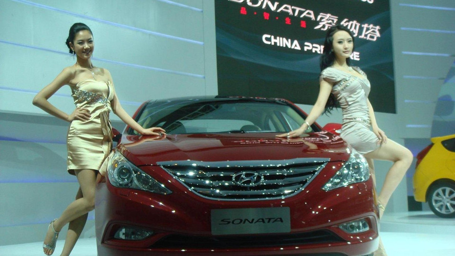 Hyundai Verna 5-door revealed in China