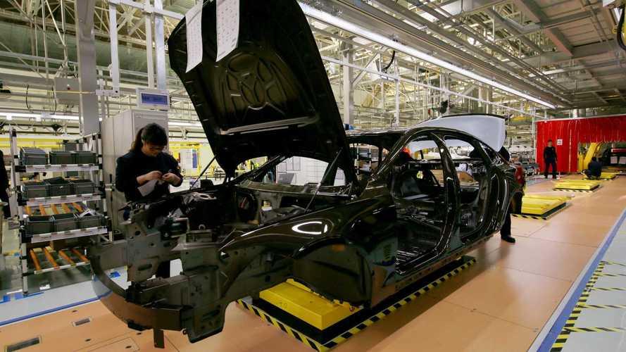 Nem kevesebb mint 553 jármű gyártását állítják le Kínában