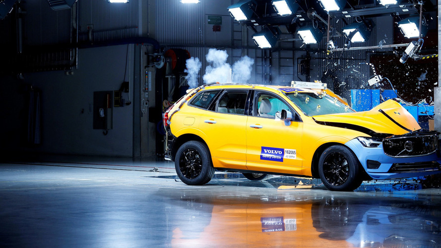 Volvo XC60 crash test images
