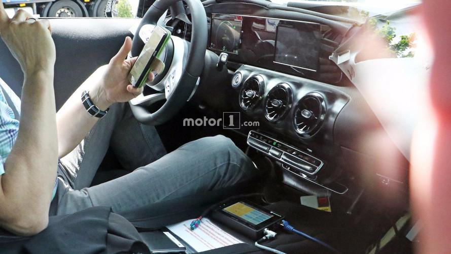 Mercedes Clase A 2018: fotos espía del interior