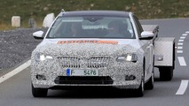 Skoda Superb facelift photos espion
